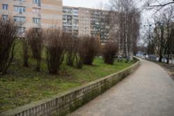 Remont chodnika wzdłuż ul. Śródziemnomorskiej, na odcinku pomiędzy ul. Marsylską i ul. Nicejską.