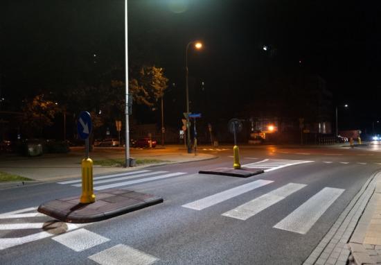Doświetlamy 300 Przejść W 16 Dzielnicach Zarząd Dróg