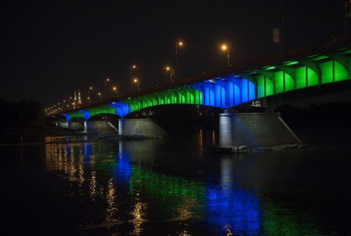 """Wygasimy iluminacje na mostach. """"Godzina dla Ziemi"""" już w sobotę."""