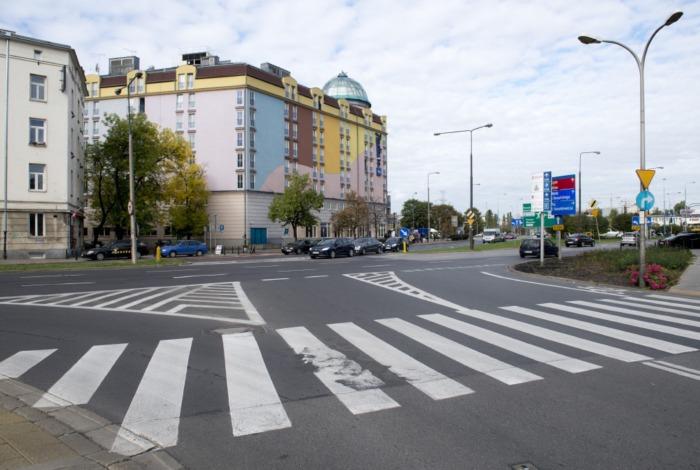 Nowe przejście dla pieszych na Raszyńskiej. Szukamy wykonawcy