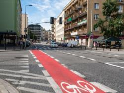 Połączenie pasów rowerowych na Tamce z mostem Świętokrzyskim