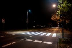 Bezpieczne przejście przez ulicę Chrościckiego przy skrzyżowaniu z ulicą Rybnicką - przy Kościele
