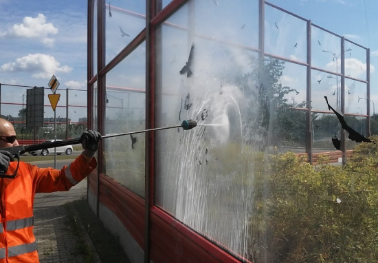 Usuwamy graffiti, dbamy o czystość obiektów drogowych