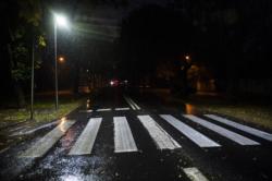 Oświetlenie przejścia dla pieszych na ulicy Popularnej