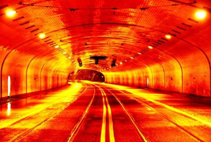 Nocne pucowanie tunelu