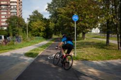 Uzupełnienie brakującego odcinka ścieżki rowerowej wzdłuż trasy AK w rejonie ul. Rudzkiej