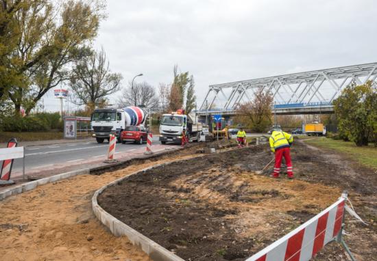 """Budujemy chodnik na """"małej"""" Radzymińskiej"""