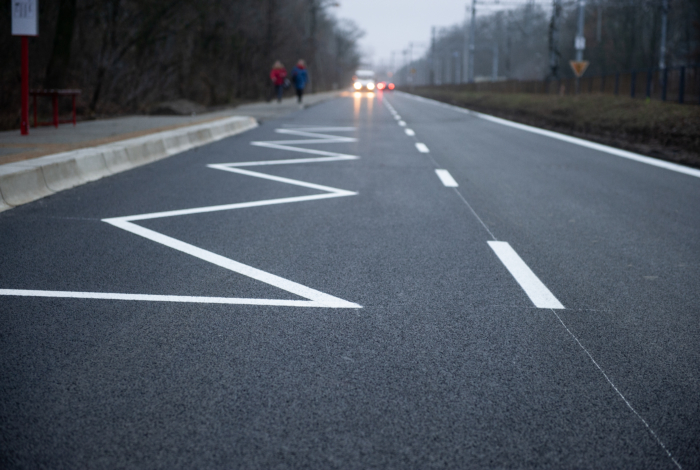 Czołowa z nowym asfaltem