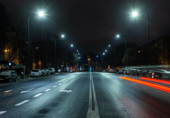 Nowe latarnie na Bonifraterskiej