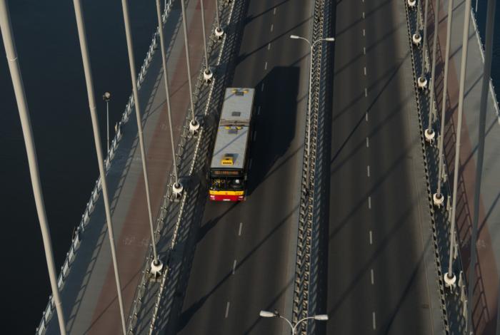 Coraz więcej samochodów na mostach