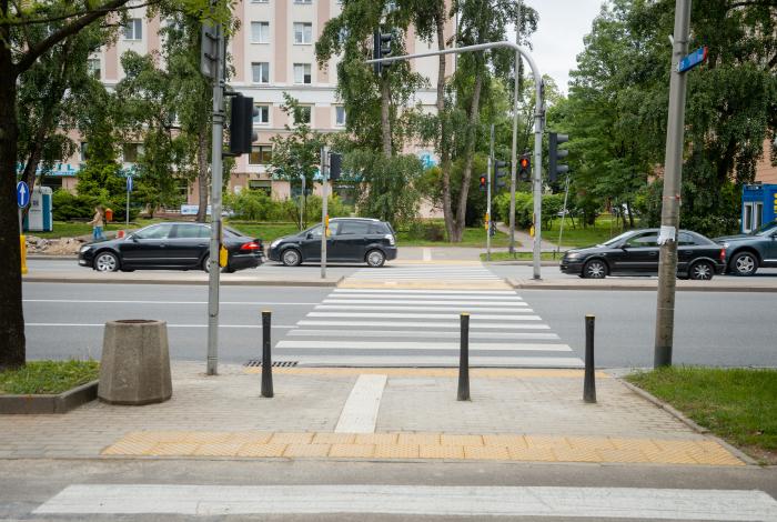 Kolejne bariery znikają z ulic