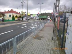Barierki ochronne wzdłuż chodników po obu stronach ulicy Jana Pawła II odcinku od ul. Trakt Brzeski do ul. Gościniec
