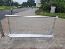 Wygodniej rowerem przez Ursynów - zadaszone stojaki przy metrze i podpórki rowerowe przy skrzyżowaniach