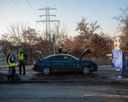 Wypadek śmiertelny, do którego doszło pomiędzy skrzyżowaniami z Instalatorów i Racławicką. Kierowca wjechał na pieszych na chodniku.
